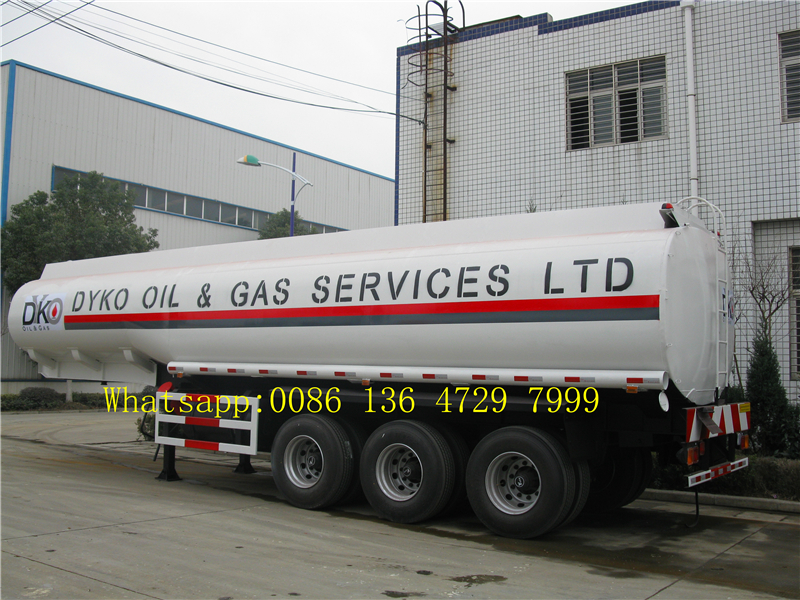 Tri Axle Fuel Tanker Semi Trailer 45000 Liters With Carbon Steel