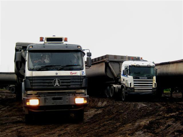 Bolivia customer order Beiben NG80 6*4 heavy duty tractors