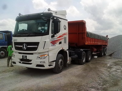 North benz V3 tractor truck with dumper semitrailer in south asia country